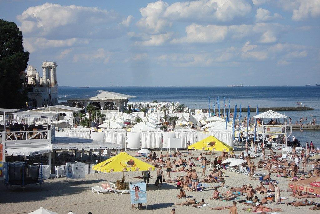 Пляж Аркадия - самый популярный пляж Одессы m